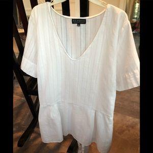 Women's plus size, short sleeve top